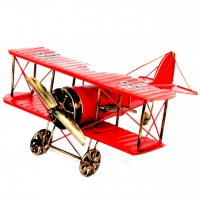 Модель двух крыльного самолета биплана красный 819C Decos