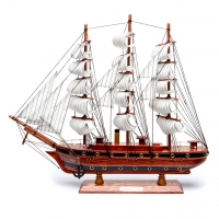 Модель парусника деревянная 50 см 26963 Two Captains