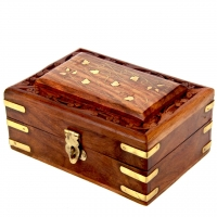 Різьблена дерев'яна шкатулка для прикрас маленька WD.264-3