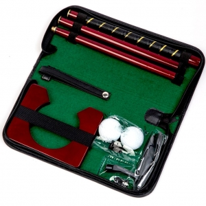 Мини гольф в футляре из кожи прессованной C-1013