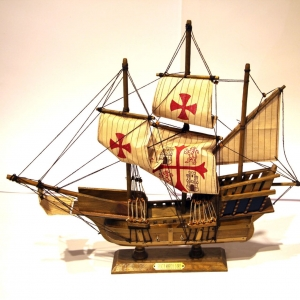 Модель корабля парусник Колумба из дерева 50см SANTA MARIA 1492