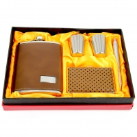 Фляга для алкоголя коричневая с портсигаром T020-1