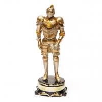 Статуетка лицар в обладунках 3257