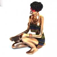 Африканская статуэтка сидящей девушки 90010 C