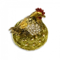 Шкатулка со стразами курица в гнезде 00140