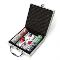 Покерний набір 100 фішок з номіналом в кейсі DM100NA