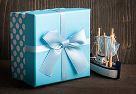 Подарок морской тематики в стильной упаковке - фото darunok.ua