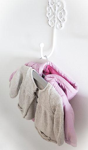 Хороша вішалка для одягу - фото інтернет-магазину darunok.ua