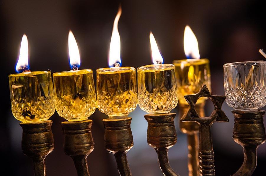 Еврейский подсвечник менора - чудесный подарок для декорации интерьера - фото darunok.ua