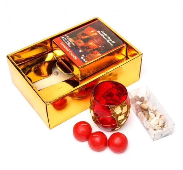 Подарунковий набір 3 свічки і свічник - кращий сувенір дівчині на Новий рік - фото інтернет-магазину darunok.ua