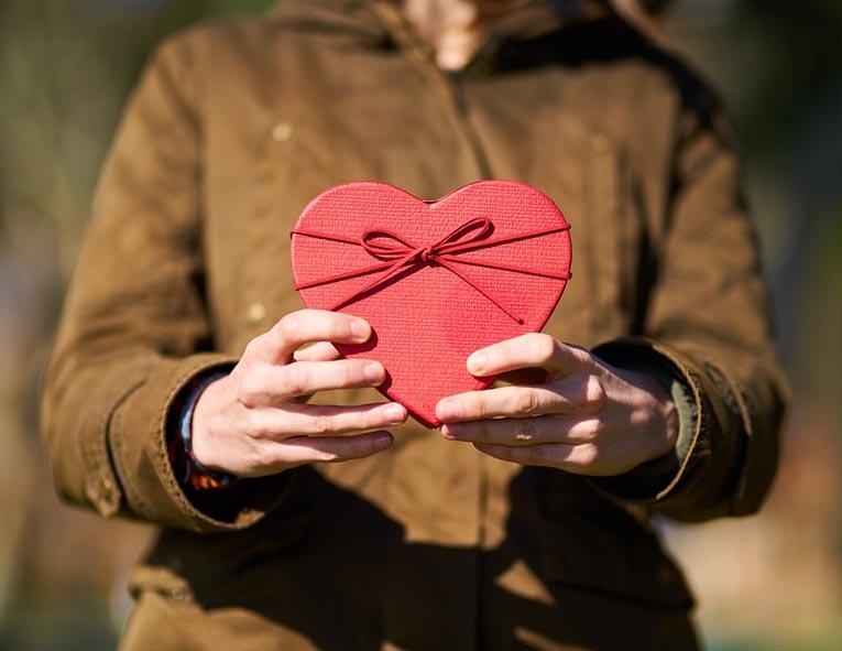 Замечательный подарок деловому мужчине к Новому году - фото  интернет-магазина Darunok.ua