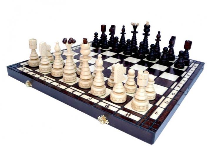 Шахматы - идеальный сувенир бизнес партнеру на Новый год  - фото интернет-магазина darunok.ua