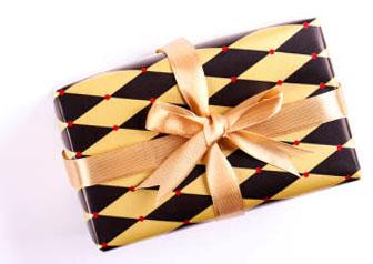 Подарок на мальчишник с геометрическим принтом - фото darunok.ua