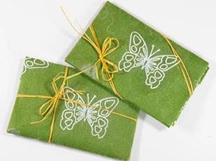 Упаковка подарков для девушки Близнеца - фото darunok.ua