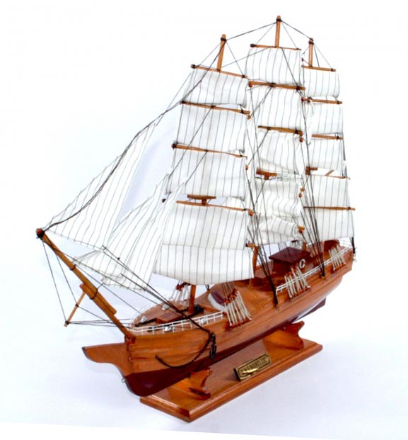 Модель корабля H. M. S. Bounty - отличный сувенир директору школы - фото интернет-магазина darunok.ua