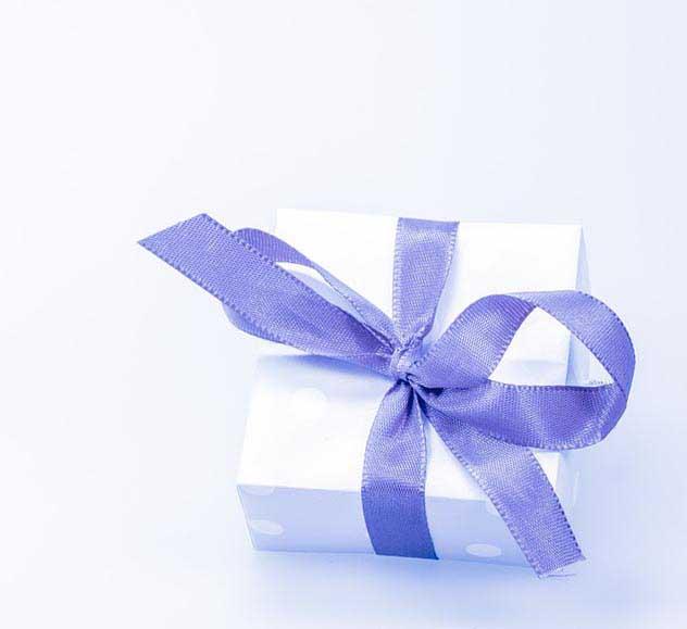 Підсвічник - неймовірний подарунок для декорації інтер'єру - фото Дарунок