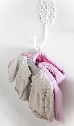 Хорошая вешалка для одежды - фото darunok.ua