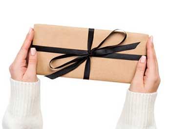 Символичный подарок - фото Дарунок