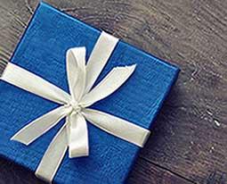 Памятный подарок - фото Дарунок