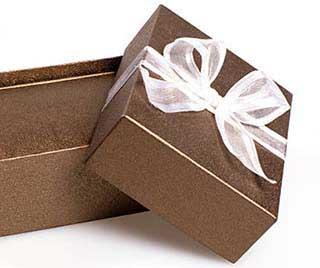 Ценный подарок - фото Дарунок