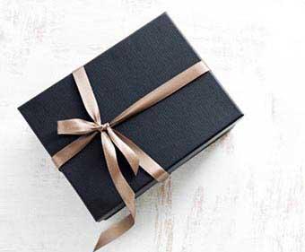 Стильний подарунок - фото Дарунок