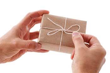 Сучасний варіант упаковки подарунка - фото darunok.ua