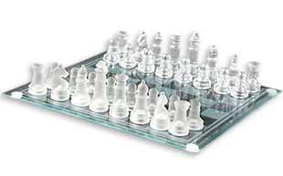 Скляні шахи на прозорій дошці - фото інтернет магазину darunok.ua