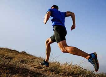 Спортсмен на пробежке - фото Дарунок