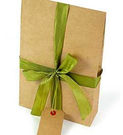 Вариант упаковки подарка - фото Дарунок