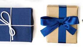 Подарки тренеру с упаковкой в синих тонах - фото darunok.ua