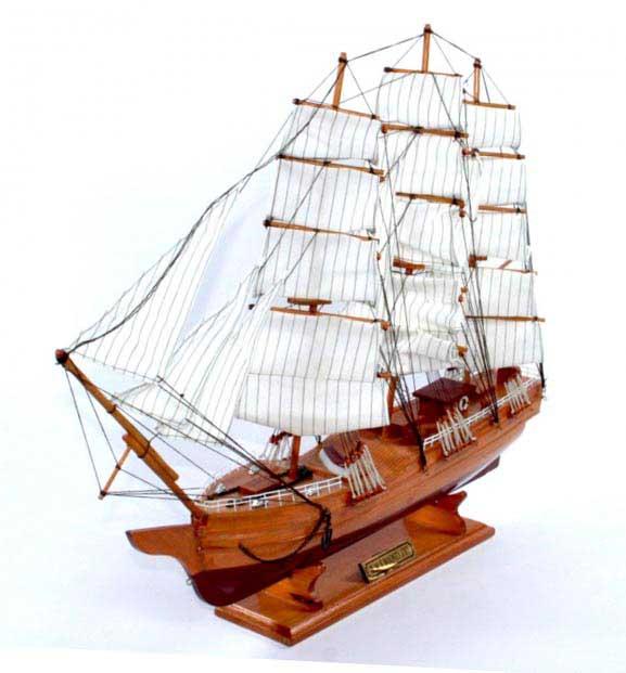 Модель корабля H. M. S. Bounty - отличный сувенир школьному руководителю - фото Дарунок