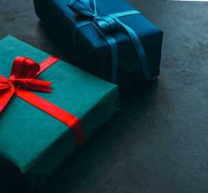 Стильні подарунки юристу - фото Дарунок