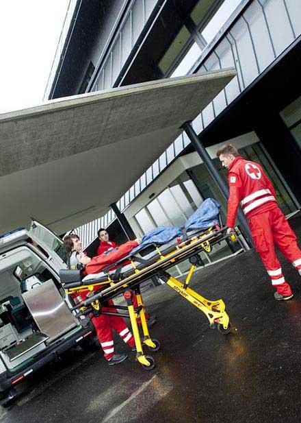 Травматолог - фото darunok.ua