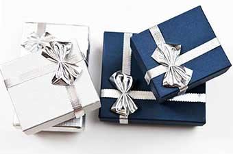 Варіанти упаковки на річницю 25 років подружнього життя - фото Дарунок