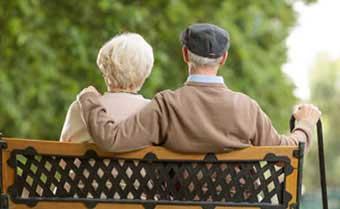 Празднование 60 лет супружеской жизни особенно трогательны - фото darunok.ua