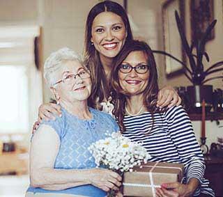 Поздравление бабушки - фото darunok.ua