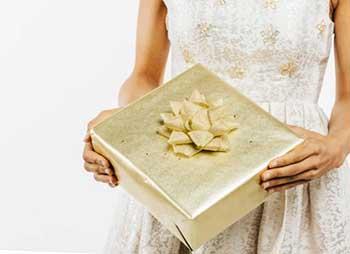 Розкішний дорогий подарунок дівчині - фото darunok .ua