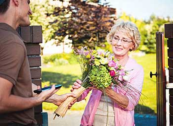 Букет для мамы на юбилей 55 лет - фото darunok.ua