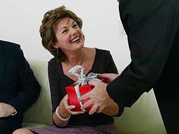Поздравление женщины руководителя с пятидесятилетием - фото интернет-магазина darunok.ua