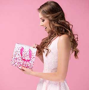 Сюрприз на День рождения невесты - фото darunok.ua