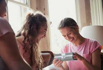 Ексклюзивне привітання сестри - фото darunok.ua