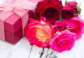Цветы для свекрови в тон упаковки - фото Дарунок