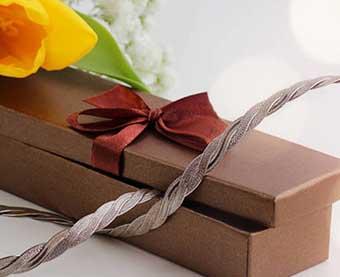 Сувенир в презентабельной упаковке - фото Дарунок