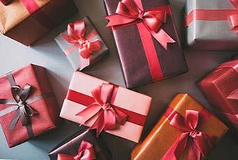Индивидуальная упаковка каждого подарка - фото интернет-магазина darunok.ua