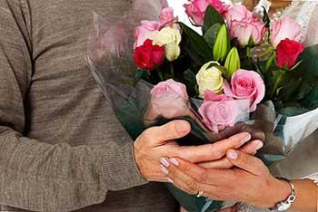 Квіти для дружини на 8 березня - фото darunok.ua