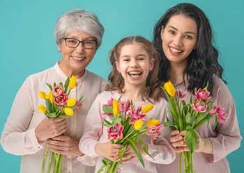 Поздравление женщин с 8 марта - фото darunok.ua