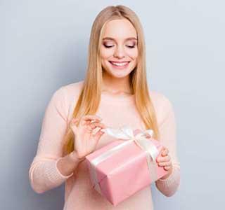 Подарок женщине - фото darunok.ua