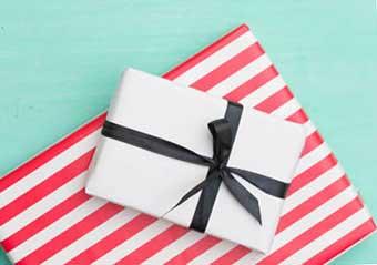 Варианты упаковки подарков - фото Дарунок